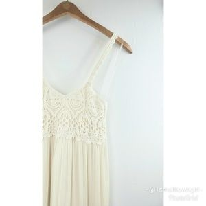 American Eagle Outfitters crocheted top maxi M